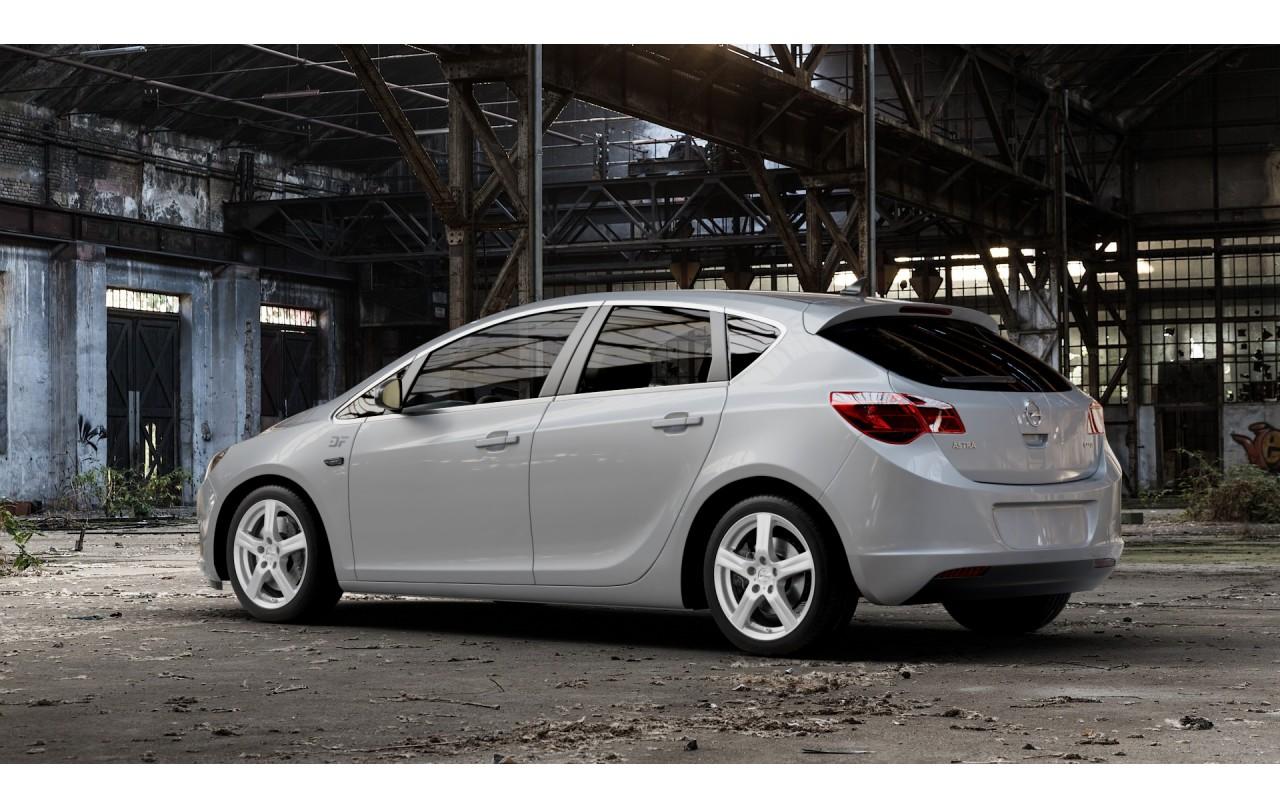 Поступление Opel Astra J