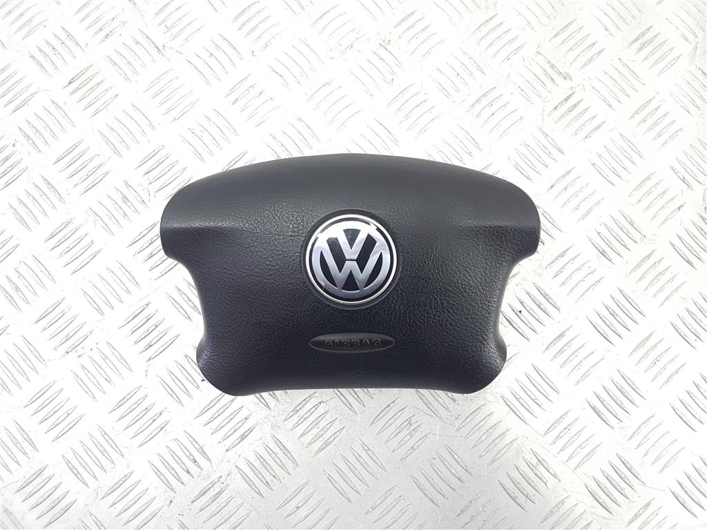 Подушка безопасности водителя volkswagen golf Артикул: 64713
