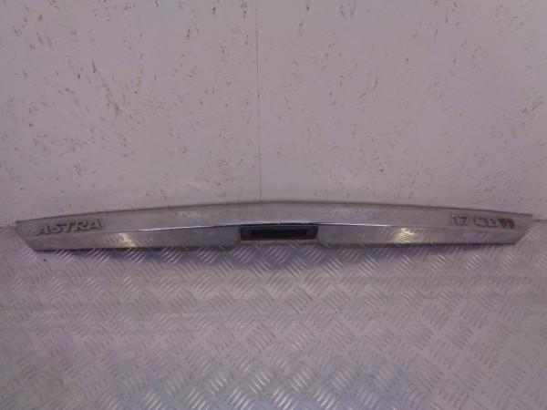 Накладка (молдинг) крышки багажника opel astra h