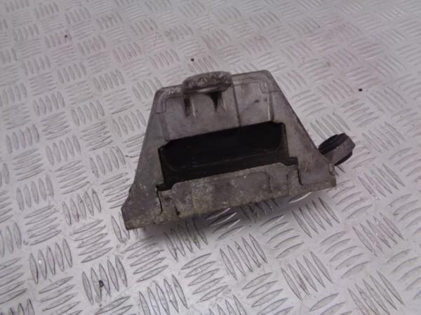 Подушка крепления двигателя (опора) opel insignia