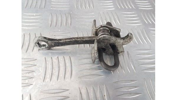 Ограничитель двери opel vectra b