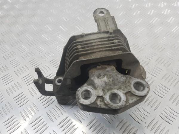 Подушка крепления двигателя (опора) chevrolet cruze