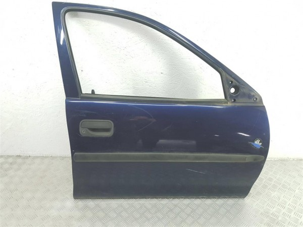 Дверь передняя правая opel corsa b