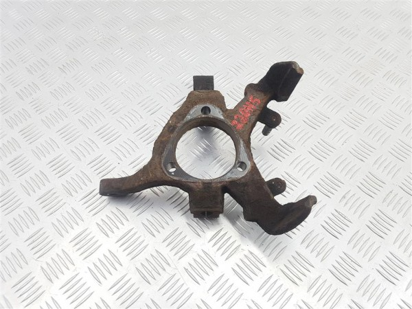 Кулак поворотный правый opel astra g
